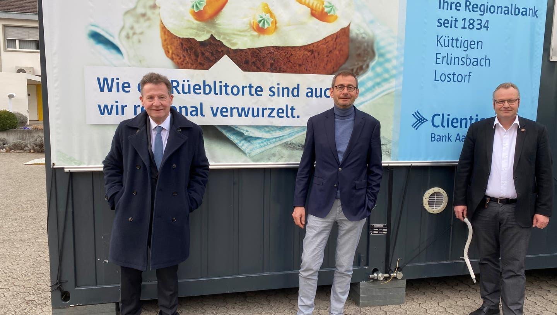 André Gräni, unabhängiger Stimmrechtsvertreter, Daniel Heller, VR-Präsident,Hansjörg Gloor, Vorsitzender der Geschäftsleitung (v.l.) (Zvg / Aargauer Zeitung)