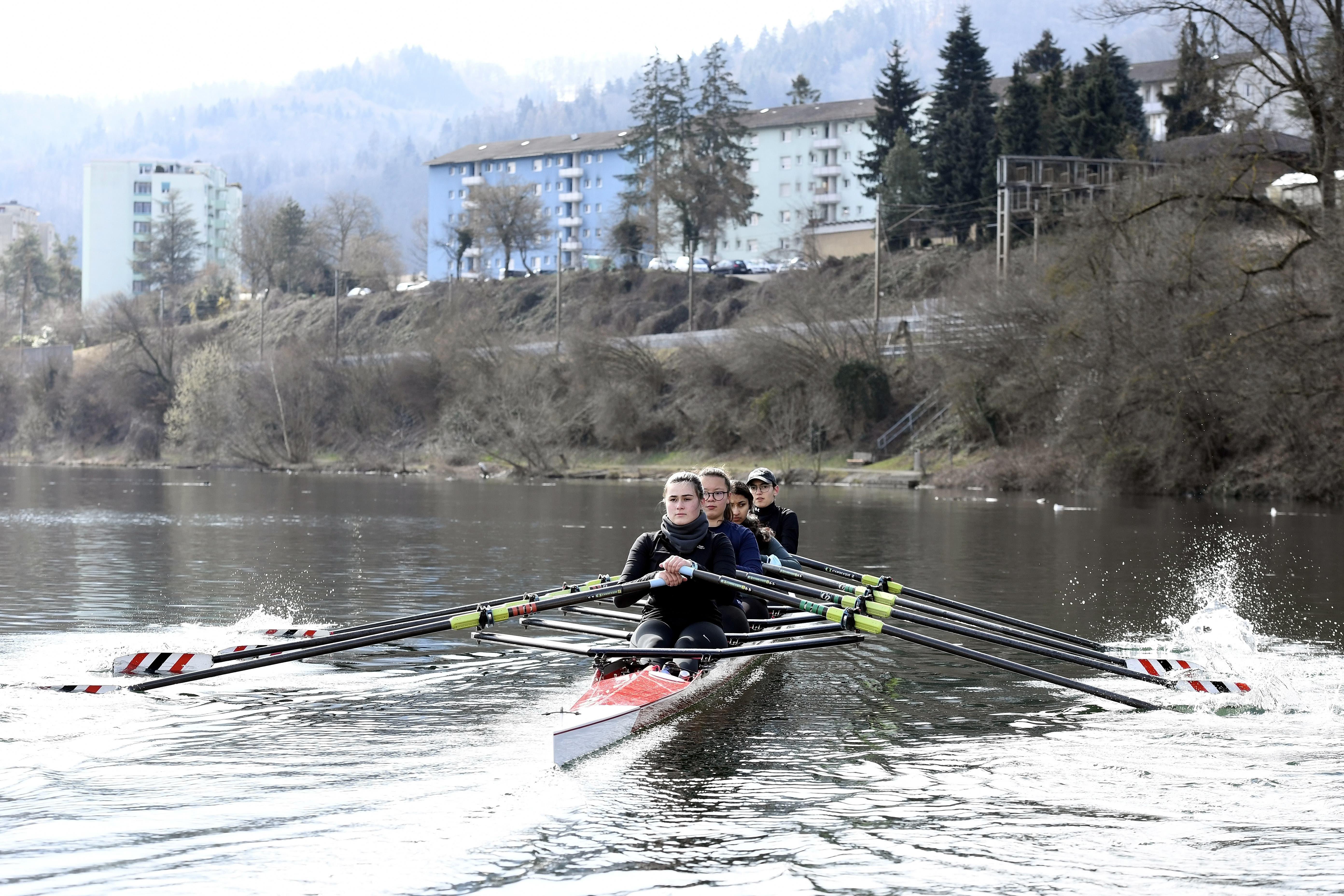 Impressionen aus dem Training des Ruderclub Baden auf dem Stausee Wettingen.