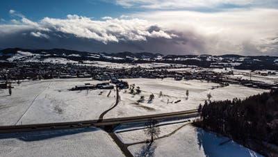 Im Gebiet Weid will die Stadt Gossau mit einer Aushubdeponie einen Lärmschutzwall entlang der Autobahn realisieren. (Bild: Michel Canonica)