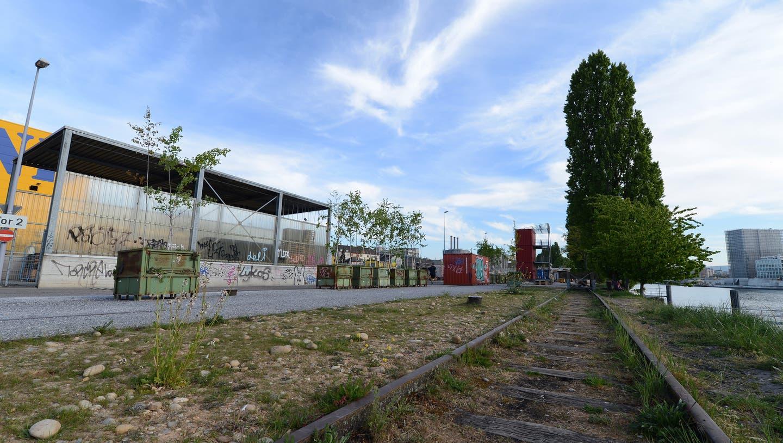 Der Raser übersah, dass auf der Hafenstrasse ein allgemeines Fahrverbot gilt. (Archiv) (Bild: Juri Junkov)