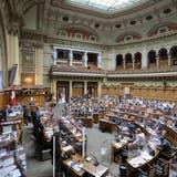 Der Nationalrat will, dass der Bundesrat die Lockerung der Coronamassnahmen vorantreibt. (Bild: Alessandro Della Valle / Keystone)