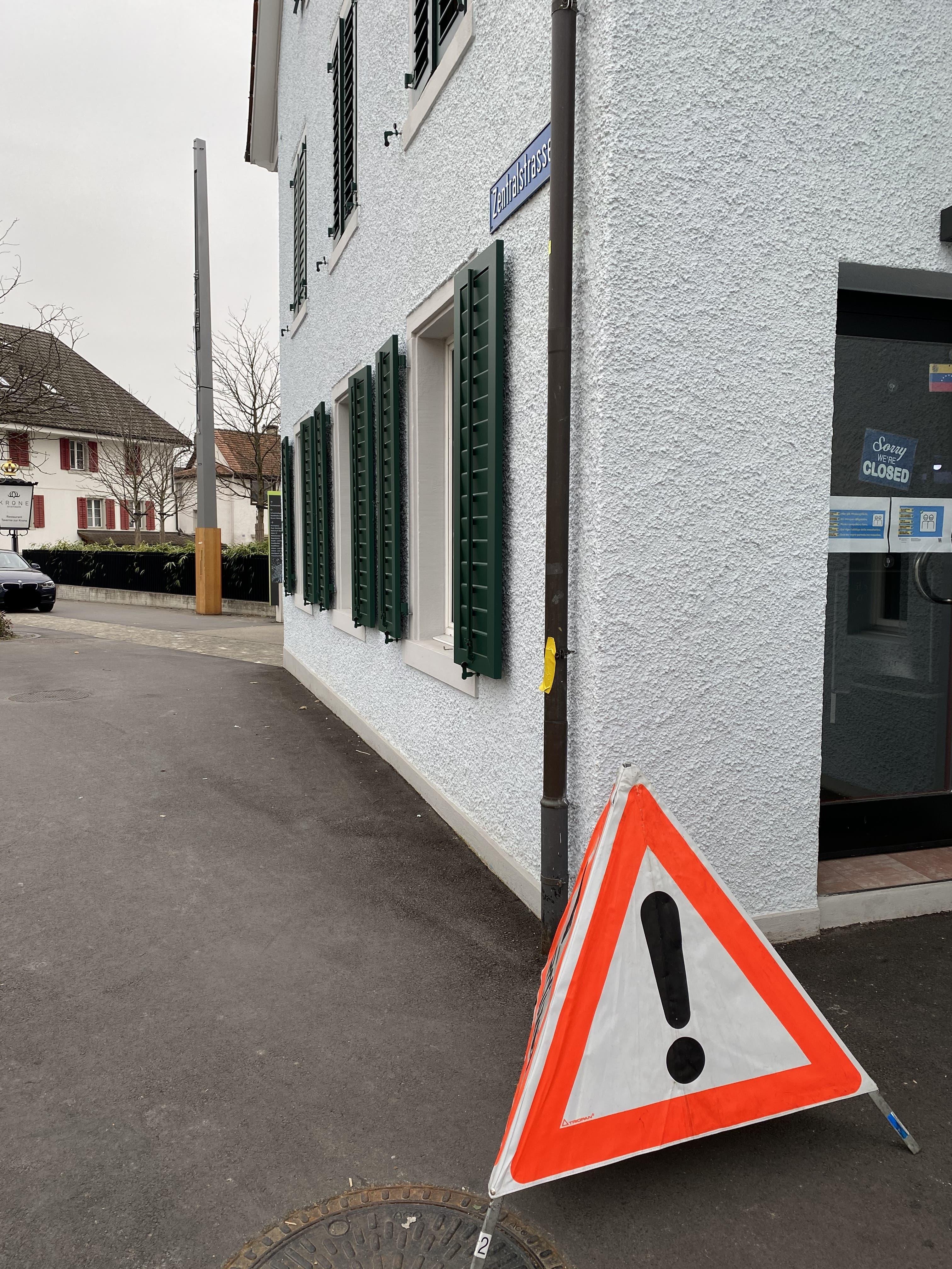Der Polizeieinsatz dreht sich um die Liegenschaft Kronenplatz 9.