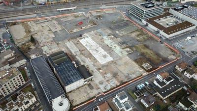 Das Torfeld Süd wartet weiterhin auf den Baubeginn des neuen Fussballstadions für den FC Aarau. (Michael Küng / Aargauer Zeitung)