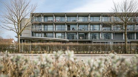 Die Haus Eigenamt AG verfügt im Pflegeheim in Lupfig über 46 Betten in Einzelzimmern. (Bild: Sandra Ardizzone (25. März 2015))