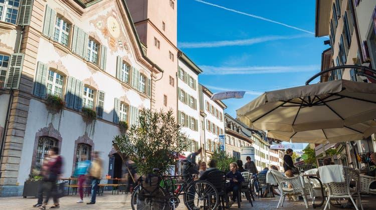Rheinfelden Tourismus hofft, dass im Sommer viele Touristen durch die Altstadt schlendern. (Bild: Oliver Wehrli (September 2018))
