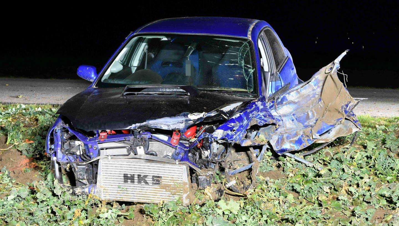 Auto überschlägt sich mehrmals – 19-jähriger Lenker haut ab, ohne sich um verletzte Mitfahrerinnen zu kümmern