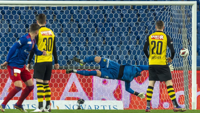 Darian Males bringt den FCB herrlich in Führung. (Georgios Kefalas / KEYSTONE)