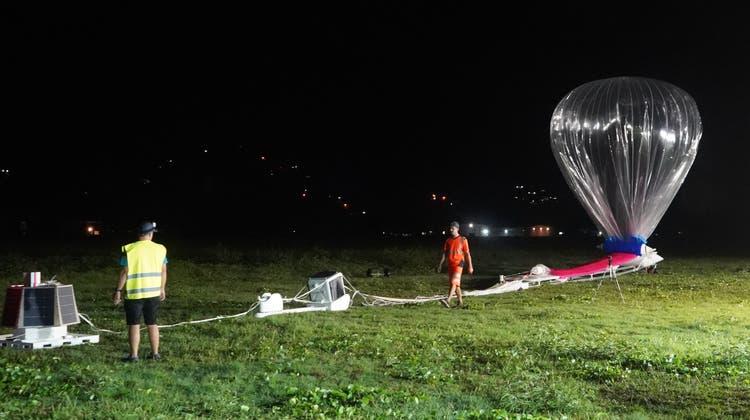Solche Ballone sollen die Erde umrunden. Hier geht es aber erst mal um einen Testflug. (Romain Gaboriaud)