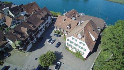 Links die Drachenburg, rechts das Waaghaus und das Haus Rheineck. Insgesamt sind es sogar sechs Liegenschaften, aus denen der historisch gewachsene Komplex besteht. (Bild: PD)