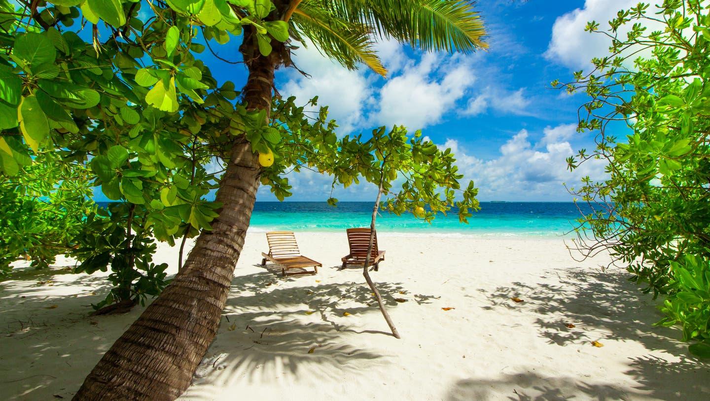 Endlich wieder mal am Strand liegen: Viele Reisehungrige sehnen sich nach Ferien im Ausland, wie zum Beispiel auf den Malediven. Doch die Reiseplanung hat derzeit einige Tücken. (Sylvi Mauersberger)