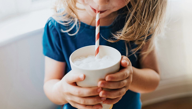 Pflanzendrinks statt Kuhmilch: Welches Getränk macht munter?