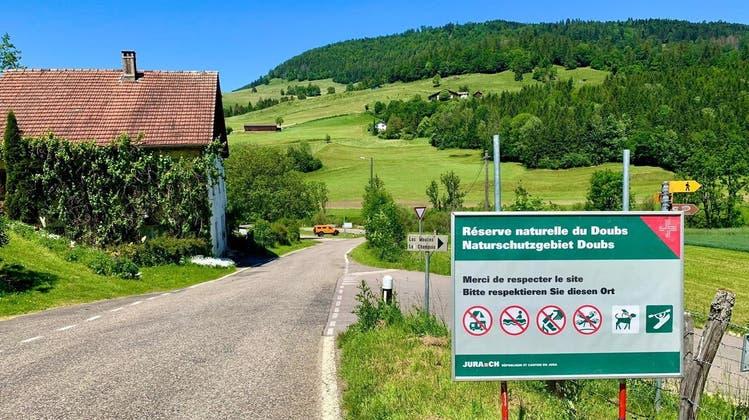 Will Verbote durchsetzen: Der Kanton Jura kündigt an, die Einhaltung der Naturschutz-Regeln etwa am Doubs auch an Ostern zu überprüfen. (zvg)