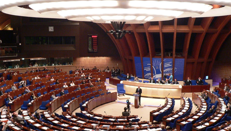 Muttenz' Gemeindepräsidentin Franziska Stadelmann wird bald europäische Politluft schnuppern können (im Bild der Europarat). (Bild: Archiv bz)