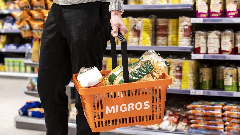 Die Migros steht bereits zum achten Mal an der Spitze des GfK-Reputationsrankings im Bereich Unternehmen. (Keystone)