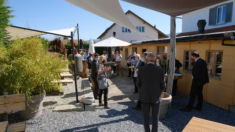 Am Mittwochnachmittag kam es beim Restaurant Sonne in Röschenz zu einem Augenschein vor Ort. (Bild: Kenneth Nars)