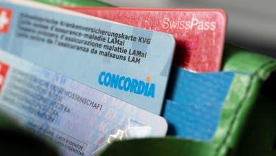 [Symbolic Image] A Concordia health insurance card in a wallet, photographed in Zurich, Switzerland, on June 20, 2019. (KEYSTONE/Gaetan Bally)[Symbolbild] Eine Concordia Krankenversicherungskarte in einem Portemonnaie, aufgenommen am 20. Juni 2019 in Zuerich. (KEYSTONE/Gaetan Bally) (Gaetan Bally / KEYSTONE)