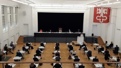 Der Landrat tagt im Theatersaal des Kollegiums St. Fidelis. (Bild: Philipp Unterschütz (Stans, 31. März 2021))