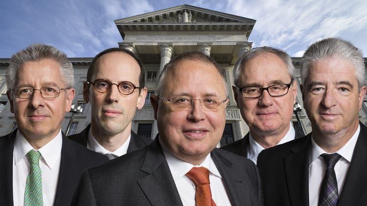 Die Bundesrichter hinter den Leiturteilen: Felix Schöbi, Grégory Bovey, Nicolas von Werdt, Luca Marazzi und Christian Herrmann (v.l.n.r.) (Keystone (Montage: sam))