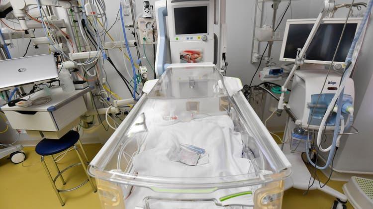 Blick in die Kinderklinik am Spital Münsterlingen.Die Thurgauer Kantonsspitälerkonnten 2020 zeitweise nur eingeschränkt arbeiten, mussten die Infrastruktur aber aufrechterhalten. (Bild: Donato Caspari)