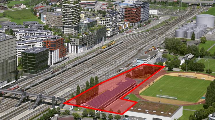 Auf dem rotgefärbten Areal soll die neue Kantonsschule entstehen. (Bild: flying camera baar)