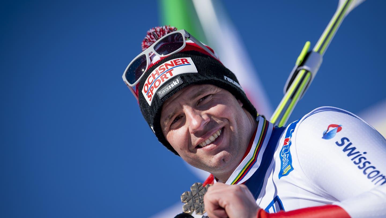 Doppelsieg in Kitzbühel, Bronze an der WM, die Abfahrtskugel vor Augen: Für den Schweizer SkirennfahrerBeat Feuz stimmt es derzeit sportlich (Jean-Christophe Bott / KEYSTONE)