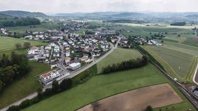 In «normalen» Zeiten wählen die Bettwieser ihre Behörden an der Gemeindeversammlung. ((Bild: Olaf Kühne))