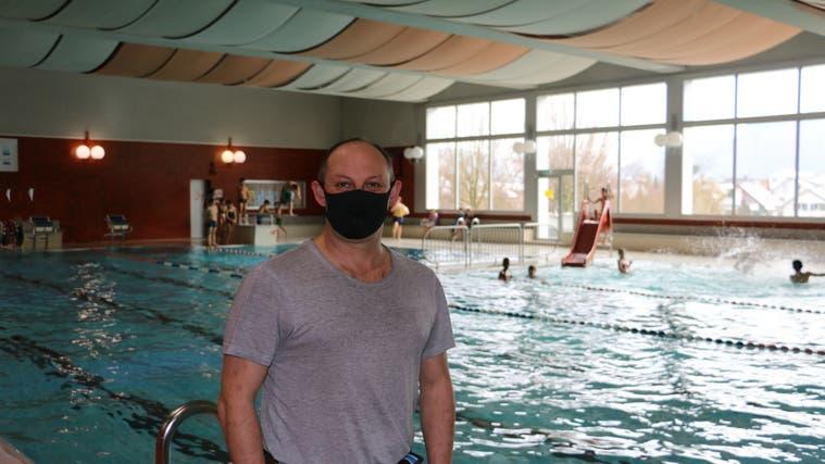 Markus Bättig, Betriebsleiter vom Vitamare in Frick, hofft, dass das Hallenbad auch für die Öffentlichkeit bald wieder öffnen darf. (Dennis Kalt (8. Januar 2021))
