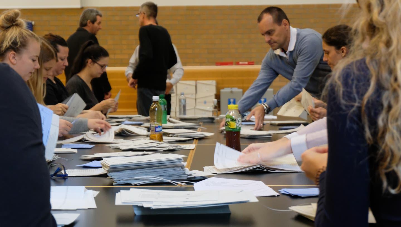 Bahnhof Schlieren wird Begegnungszone mit Tempo 20 +++ Philipp Sax wird neuer Schulpfleger in Schlieren+++ Martina Sengupta-Frick wird neue Uitiker Friedensrichterin
