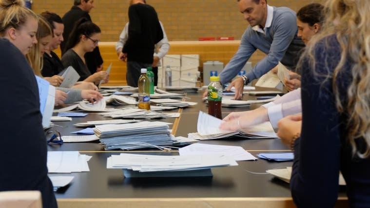 Beat Lustenberger bleibt Friedensrichter in Unterengstringen +++ zweiter Wahlgang in Aesch +++ Andrea Kleger (GLP) istneue Friedensrichterin fürBergdietikon