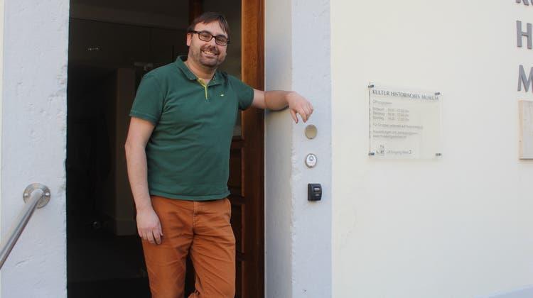 Museumsleiter Marco Kropf freut sich, dass das Kultur-Historische Museum wieder Besucherinnen und Besucher empfangen kann. (André Weyermann)