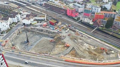 Das Drohnenfoto zeigt das Ausmass der Baustelle. (Bild: PD)