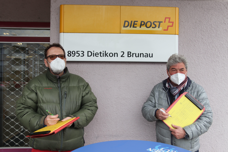 «Die Post ist wichtig für uns alle», sagt Christoph Schätti, vom Quartierverein Schönenwerd. Er sammelt seit Donnerstag bis und mit Samstag Unterschriften gegen die Schliessung der Filiale.