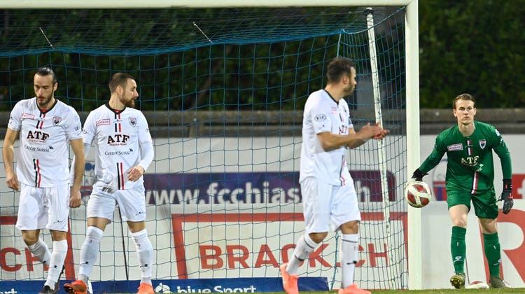 Schon nach vier Minuten des Spiels ist die Enttäuschung in den Gesichtern der Aarauer zu sehen. (freshfocus)