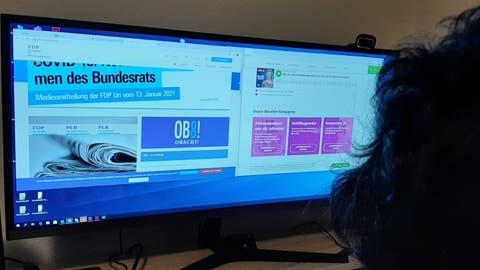 Auf der Suche nach Informationen – die Urner Parteien kümmern sich unterschiedlich um ihre Online-Auftritte. (Bild: Philipp Unterschütz (5. März. 2021))