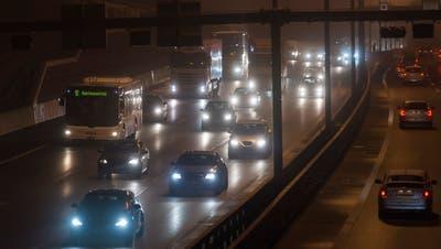 Auf der A1 im Aargau hat der Verkehr trotz Homeoffice-Pflicht im Februar gegenüber dem Vormonat wieder deutlich zugenommen. (Alex Spichale)