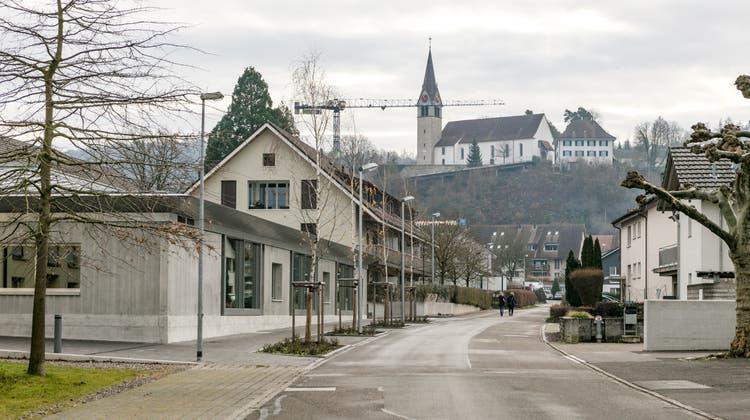 Die Schule Würenlingen umfasst sieben Kindergartenabteilungen, 17 Primarschul- sowie je drei Sekundarschul- und Realschulklassen an den Standorten Tannenweg, Weissenstein und Dorf. im Bild links: der Kindergarten Tannenweg. (Sandra Ardizzone)