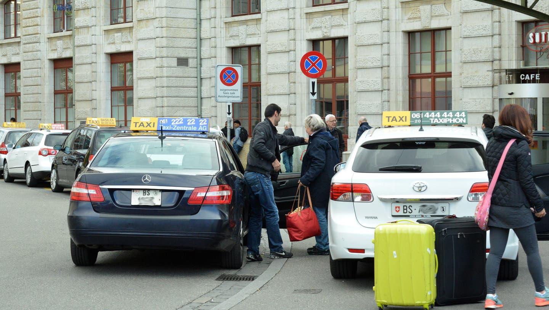 Das Taxigewerbe wurde von der Corona-Pandemie hart getroffen (Symbolbild) (Nicole Nars-Zimmer Niz / BLZ)