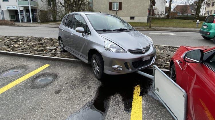 Die Lernfahrt endete an der Verkehrstafel. (Kapo AG)