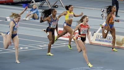 Schreiend und mit Riesenvorsprung sprintet Ajla Del Ponte an der EM in der Topzeit von 7,03 Sekunden zu ihrem ersten Titel. (Czarek Sokolowski / AP)