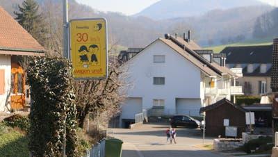 Bisher galt in Gipf-Oberfrick teilweise freiwillig Tempo 30. Verpflichtend auf allen Quartierstrassenwird es jetzt aber nicht. (Bild: Dennis Kalt (1. März 2021))