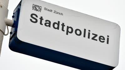 Auch die Zürcher Stadtpolizei soll künftig wieder die Nationalitäten in Polizeimeldungen nennen. (Bild: Keystone)