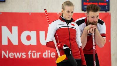 Cedric Maurer (Mitte) und Silvan Wyss (r.) haben ihre Verträge in Olten verlängert. (Marc Schumacher / freshfocus)