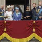 Prinz Harry kritisiert unter anderem seinen Vater und seinen Bruder. Die Queen greift er nicht an. (Matt Dunham / AP)