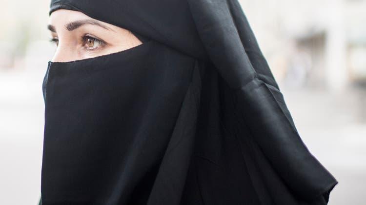 Das Verhüllungsverbot umfasst auch andere Bereiche, doch erstes Ziel der Initiative waren Burka und Nikab. (Bild: Benjamin Manser)