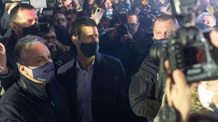 Grosser Bahnhof für den neuen Rekordmann: Novak Djokovic. (Keystone)