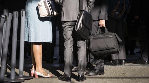 Ehefrauen sind gut beraten, sich um ihre finanziellen Belange zu kümmern. (Symbolbild) (Keystone)
