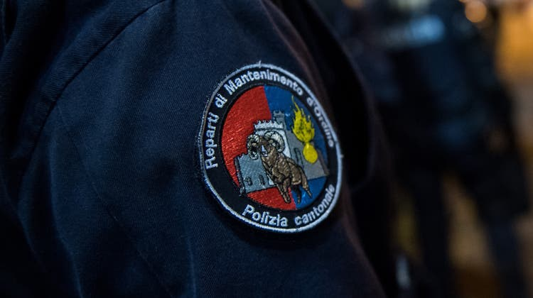 Die Kantonspolizei Tessin klärt den Tod eines 77-Jährigen und einer 80-Jährigen in einerLocarneser Wohnung nun näher ab. (Symbolbild) (Keystone)