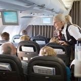Die Swiss will ihr Kabinen- und Cockpitpersonal gerne impfen lassen - sofern die Angestellten dazu bereitsind. (Gaetan Bally / KEYSTONE)