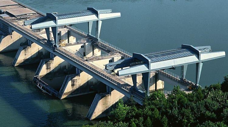 In der Nähe des Kraftwerks Bad Säckingen wurde ein Auto mit einer Leiche entdeckt. (Aargauer Zeitung)