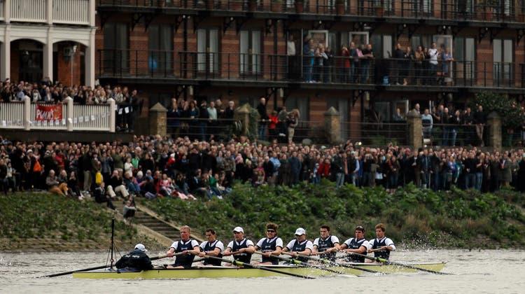 In diesem Jahr ohne Zuschauer: Das Duell zwischen Oxford und Cambridge in London. (Archivbild) (EPA)